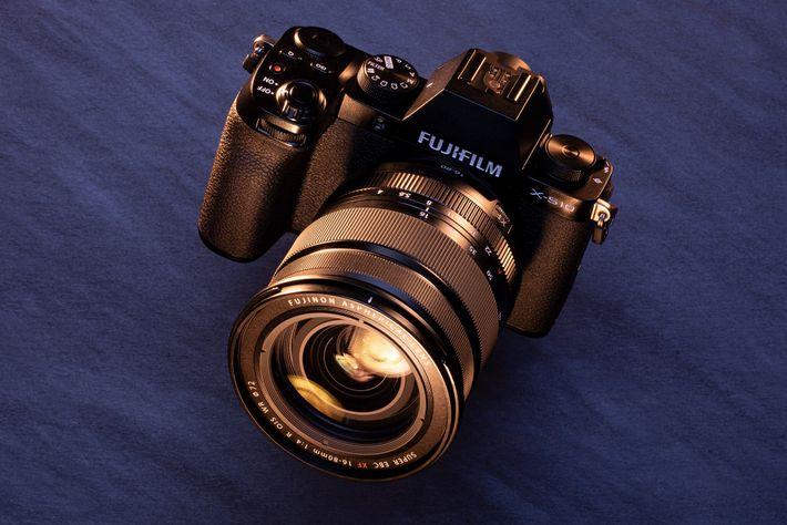 Ideal para: los expertos en ahorro. La Fujifilm X-S10 es la mejor cámara para sacar fotos de ...