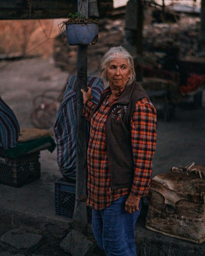Trudi Angell, una guía con sede en Loreto y proveedora de ropa de campo, dice que ...