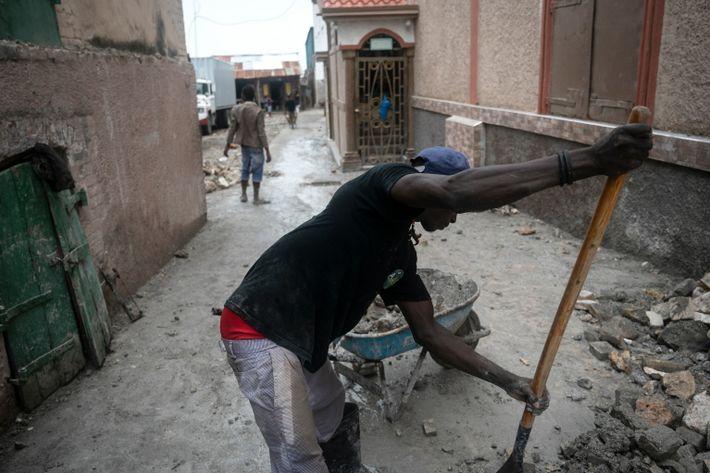 Apenas unos días después del poderoso terremoto que afectó a Haití esta semana, los residentes de ...
