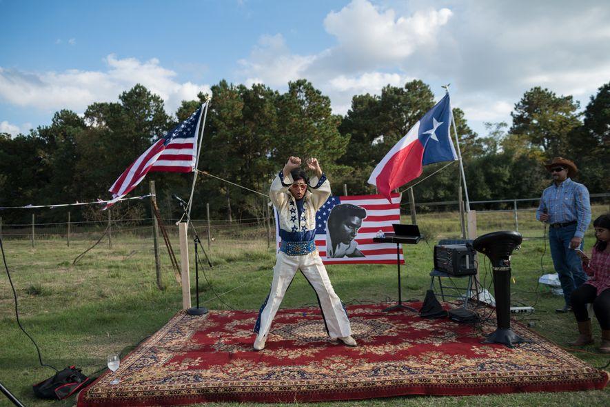 Airaj Jilani, antiguo gerente de proyectos de petróleo y gas en los suburbios de Houston, disfrazado ...