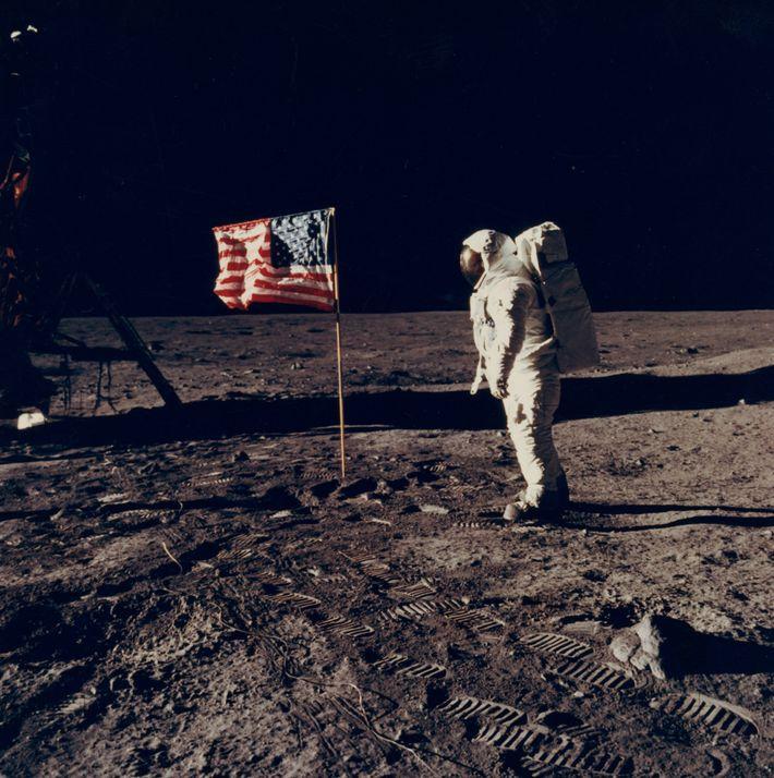 La colección de fotos conserva muchos momentos históricos, como el alunizaje del Apolo 11, el 24 ...
