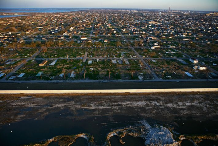 El huracán Katrina no afectó por igual a todos los residentes de Nueva Orleans. En el ...