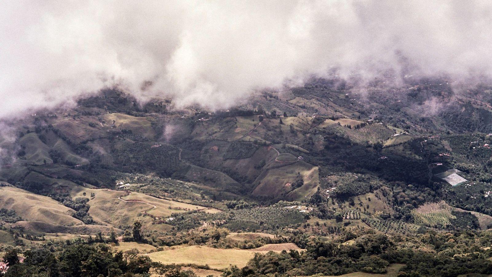 Las fértiles y exuberantes laderas de Caldas son parte del Paisaje Cultural Cafetero de Colombia, reconocido ...