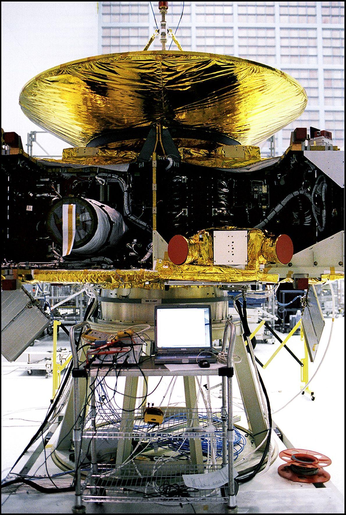 New Horizons se encuentra en medio de la asamblea en el Centro de Vuelo Espacial Goddard ...