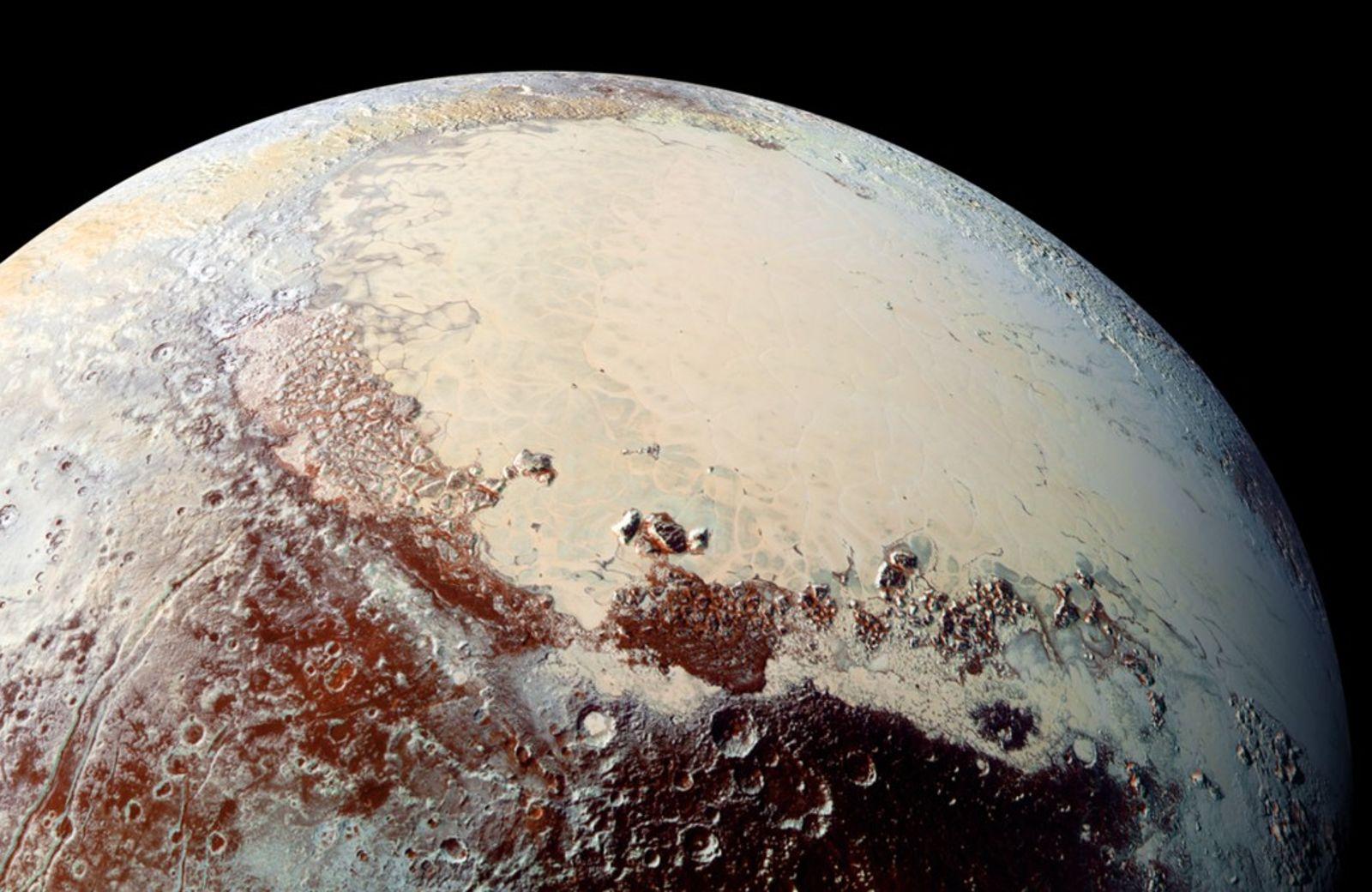 New Horizons capturó las primeras imágenes de esta sección nacarada de la superficie de Plutón, llamada ...