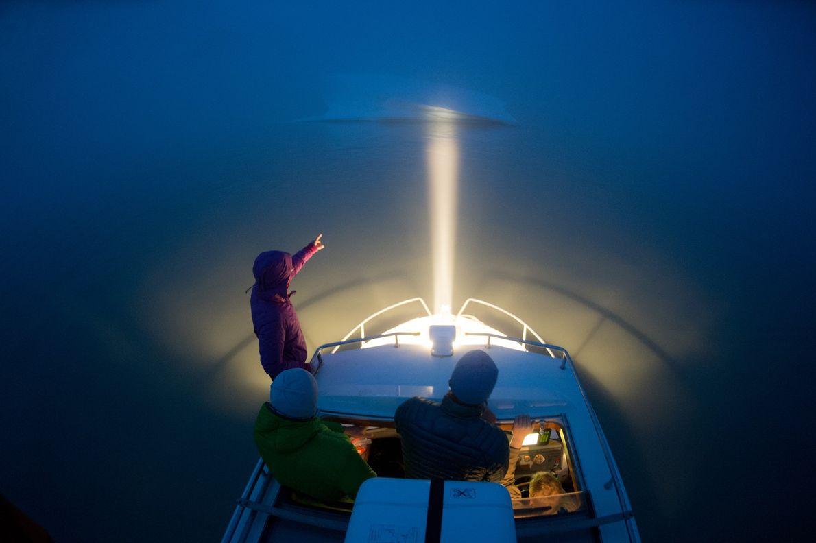 Los viajeros marinos deben estar atentos a los peligros del mar, como los icebergs más pequeños, ...