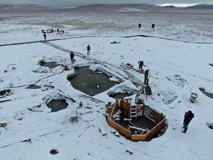 Una vista parcial del cementerio Tunnug 1 en la estepa siberiana. Los arqueólogos trabajaron hasta el ...