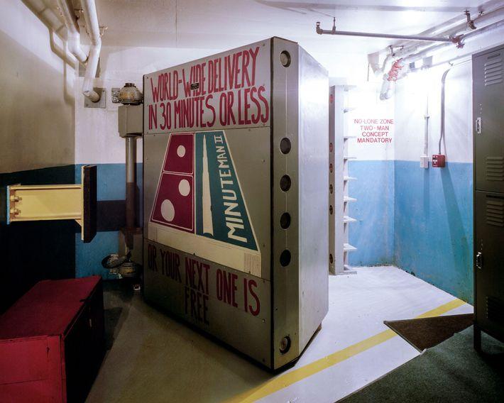 """Esta puerta blindada, decorada con """"arte moral"""", selló a la tripulación de dos personas dentro del ..."""