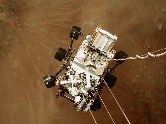 Mira el primer video de una nave espacial aterrizando en Marte