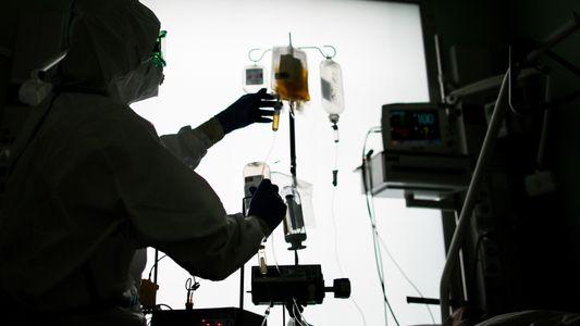 ¿Funciona el plasma de convalecientes como tratamiento para la COVID-19?