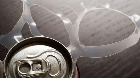 Salvemos el océano de los anillos de plástico para latas