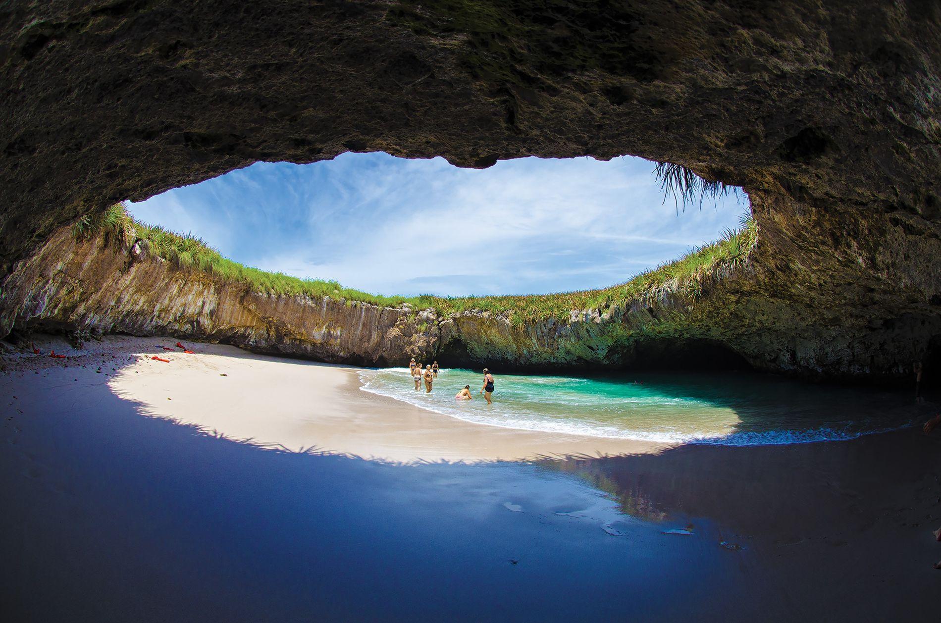 Playa del Amor, Islas Marietas, México