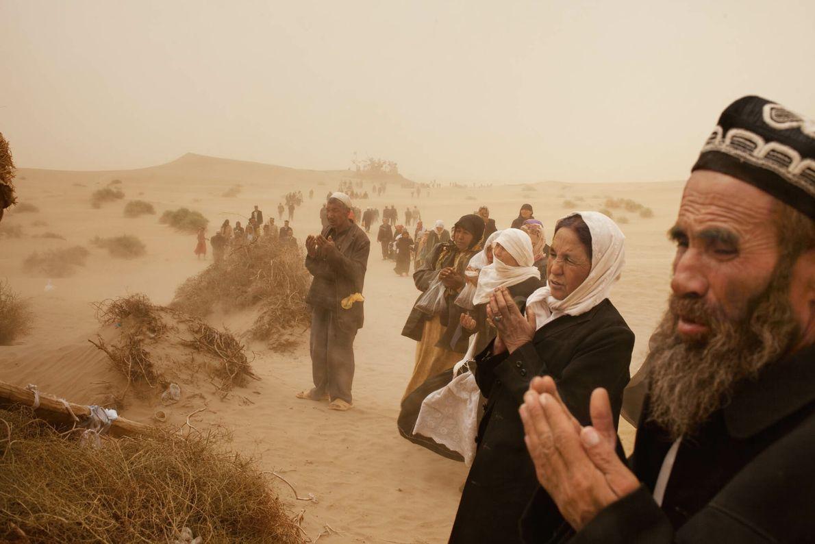 Oraciones en la tormenta de arena
