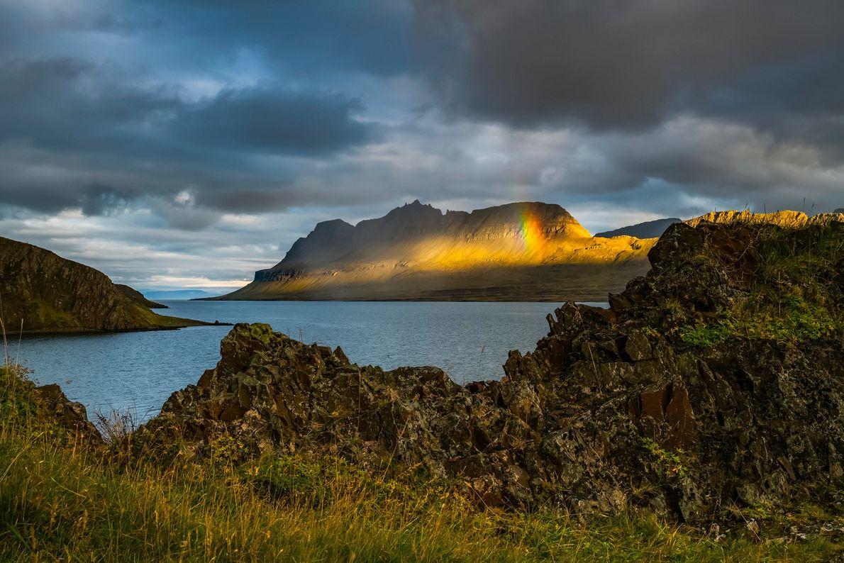 FIORDOS DEL OESTE, ISLANDIA