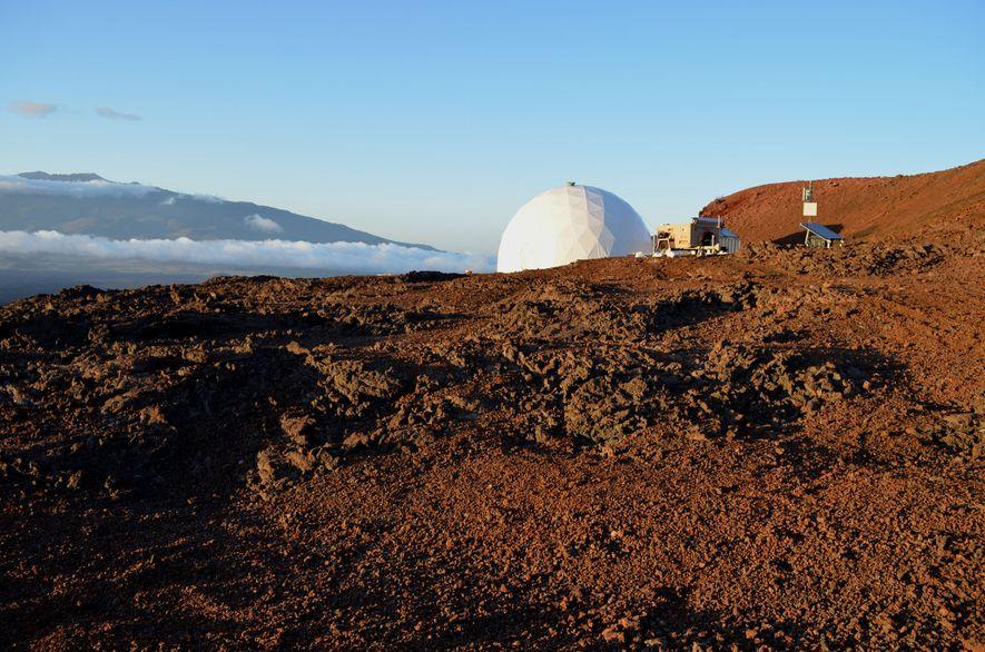El hábitat del proyecto HI-SEAS fue ubicado en una región de Hawái que se asemeja al ...