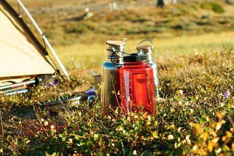 6 maneras de tener agua potable en tu viaje sin utilizar plásticos