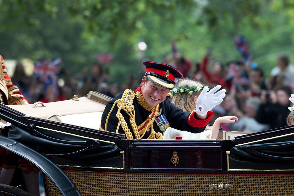 El príncipe Harry vestirá un uniforme militar durante la ceremonia, como es tradición para el novio ...