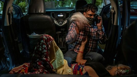 """La variante """"doble mutante"""" agrava la situación de COVID-19 en India"""