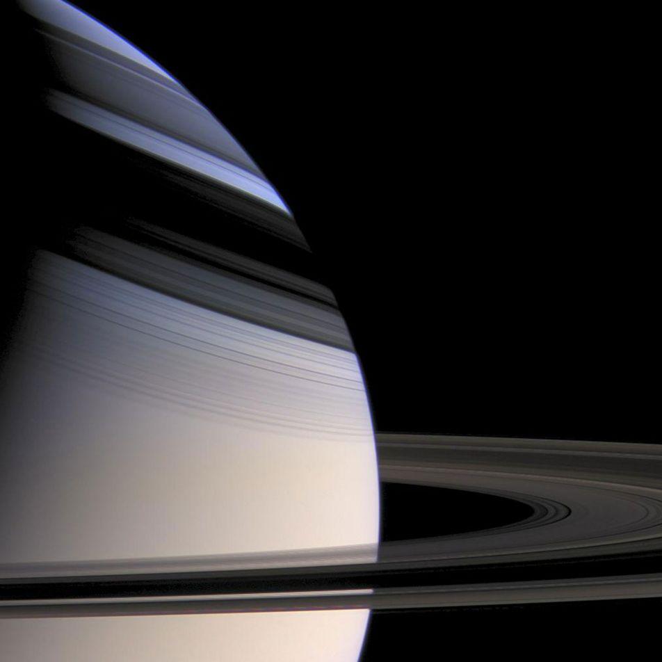 Ondas en los anillos de Saturno revelan que el planeta tiene un núcleo gigante y ...