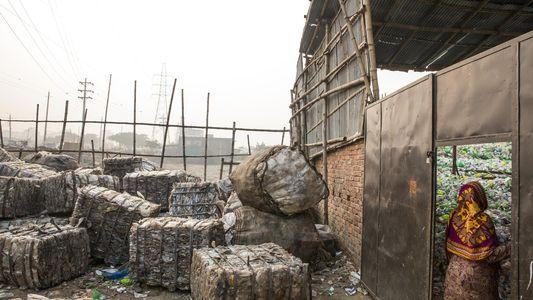 Más de 180 países acuerdan restricciones para la exportación de desechos plásticos