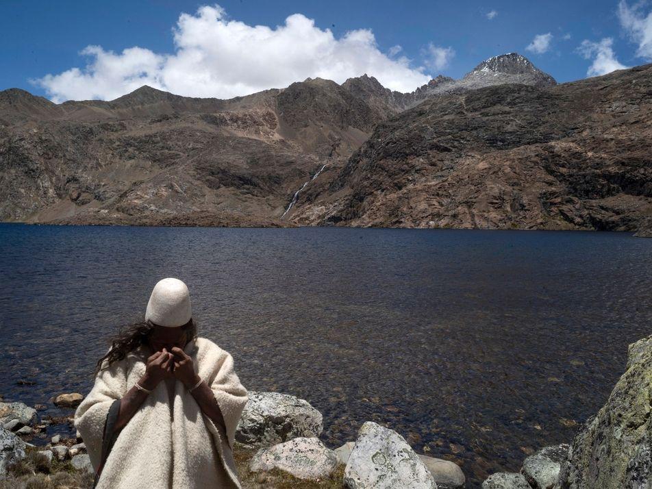 Los protectores indígenas de estas cumbres sagradas han mantenido alejados a otros, hasta ahora