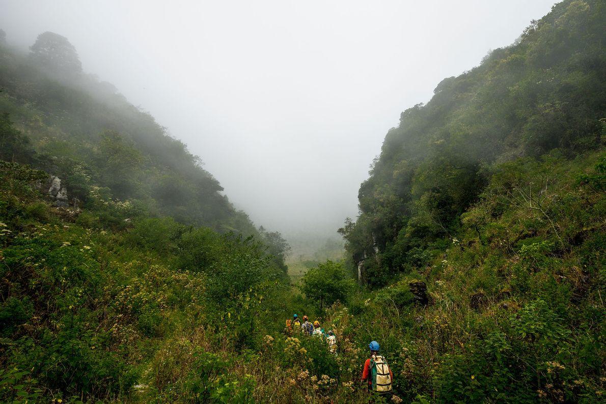 Cerca de la entrada de La Grieta, una de las muchas rutas profundas en el Sistema ...