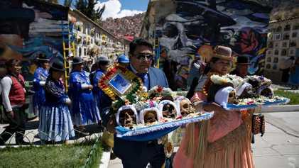 Bolivia: Adéntrate en la Festividad de las Ñatitas