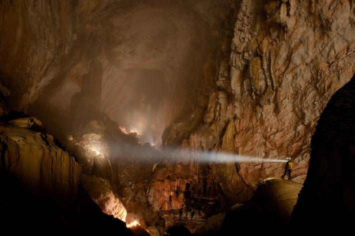Hay mucho por descubrir en la cueva de Hang Son Doong, en el Parque Nacional de ...