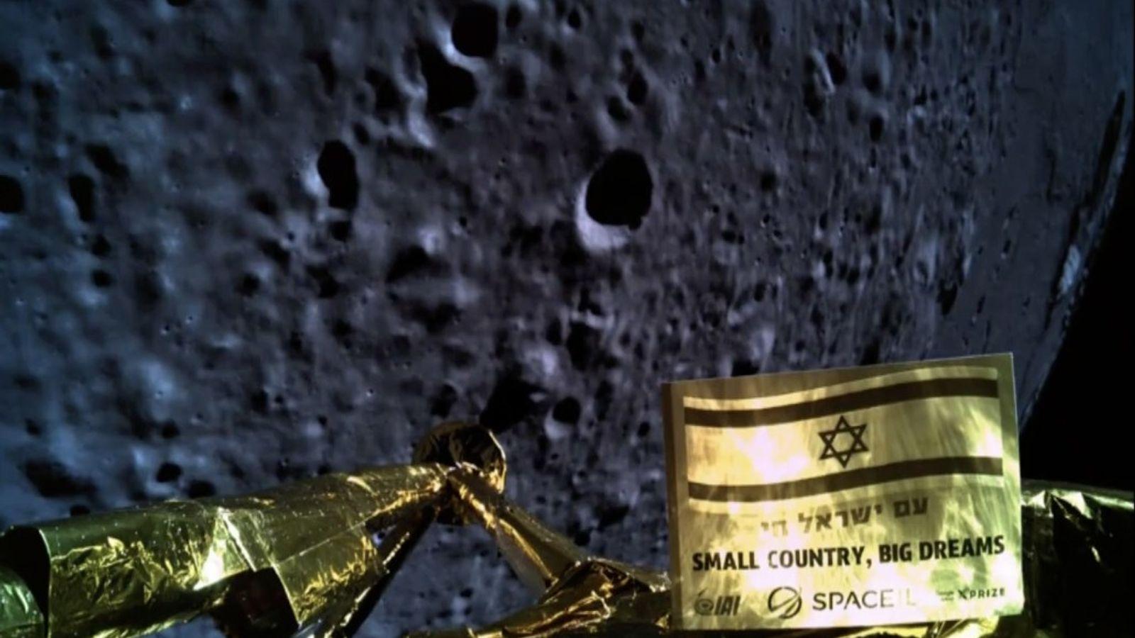 Momentos antes de estrellarse en la superficie de la Luna, el módulo de aterrizaje Beresheet de ...