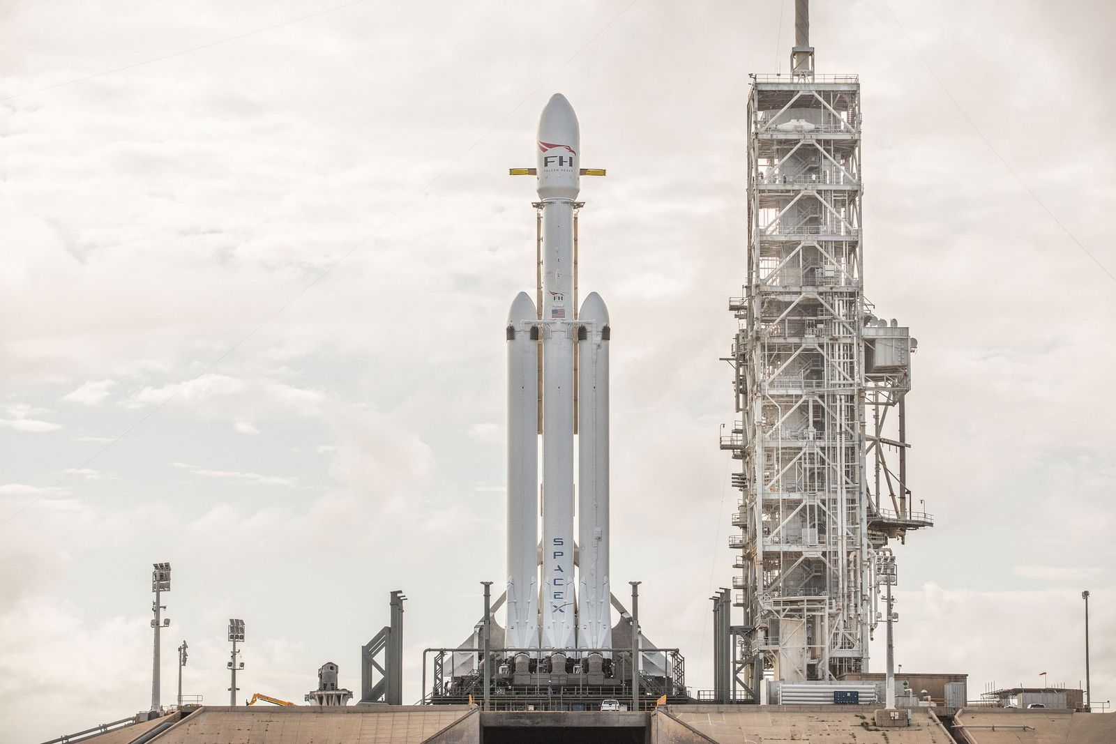 SpaceX_FalconHeavy