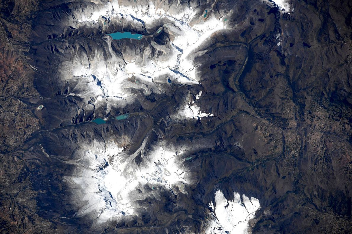 Primer plano de un glaciar en la Cordillera Blanca en Perú, capturado por Hurley el 23 ...