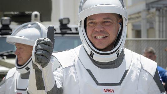 ¿Cómo se prepara física y mentalmente un astronauta para ir al espacio?