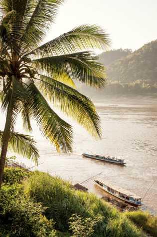 El río Mekong pasa por Louangphabang, Patrimonio de la Humanidad de la UNESCO en Laos.