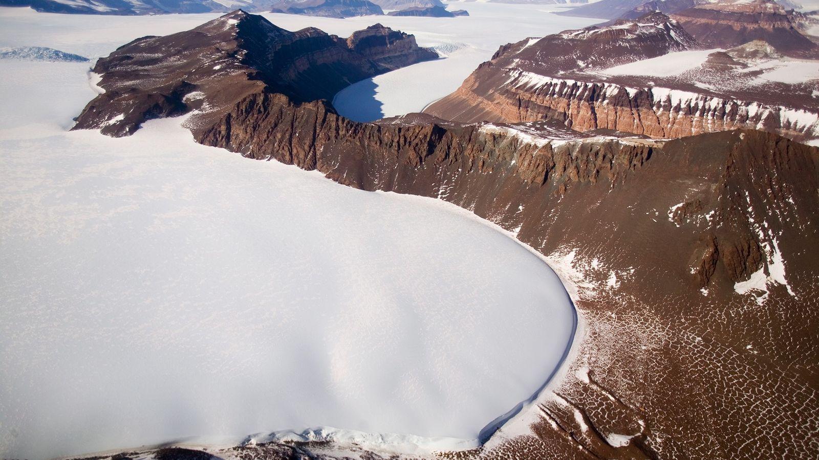 Un nuevo estudio concluye que la capa de hielo de la Antártida Oriental colapsó por última ...