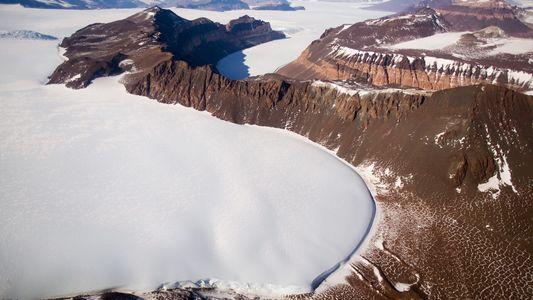 La capa de hielo más grande de la Tierra es más vulnerable al derretimiento de lo ...