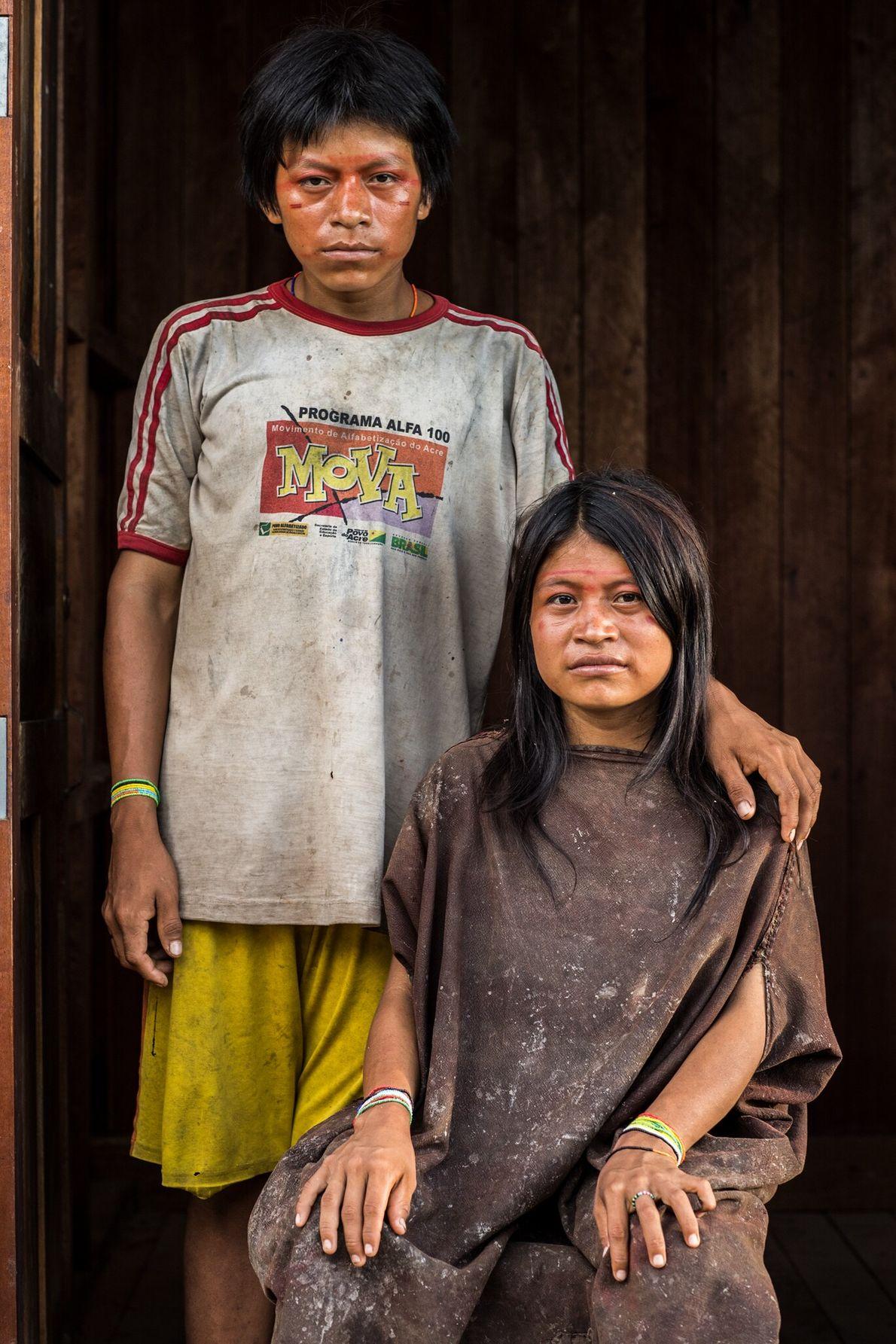 En un viaje de pesca familiar en 2005, la madre de Robaldo Malengama Mañaningo y Dicia ...