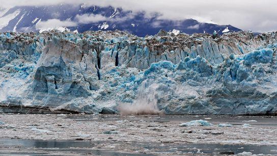 El deshielo submarino de los glaciares de marea, como este de Alaska, ocurre 100 veces más ...