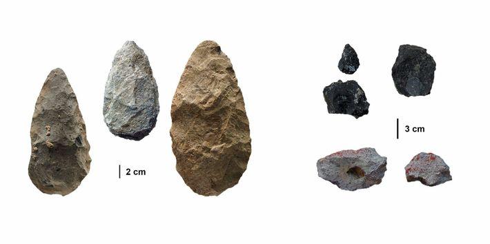 Durante unos 700.000 años, los primeros seres humanos en la región de Olorgesailie utilizaron grandes herramientas ...
