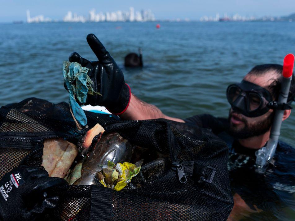 """""""La otra pandemia"""": el dilema de los plásticos de un solo uso en las playas de ..."""