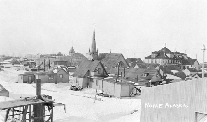 Nome en 1916. La población de Nome se multiplicó en 1899, cuando se descubrió oro, y ...