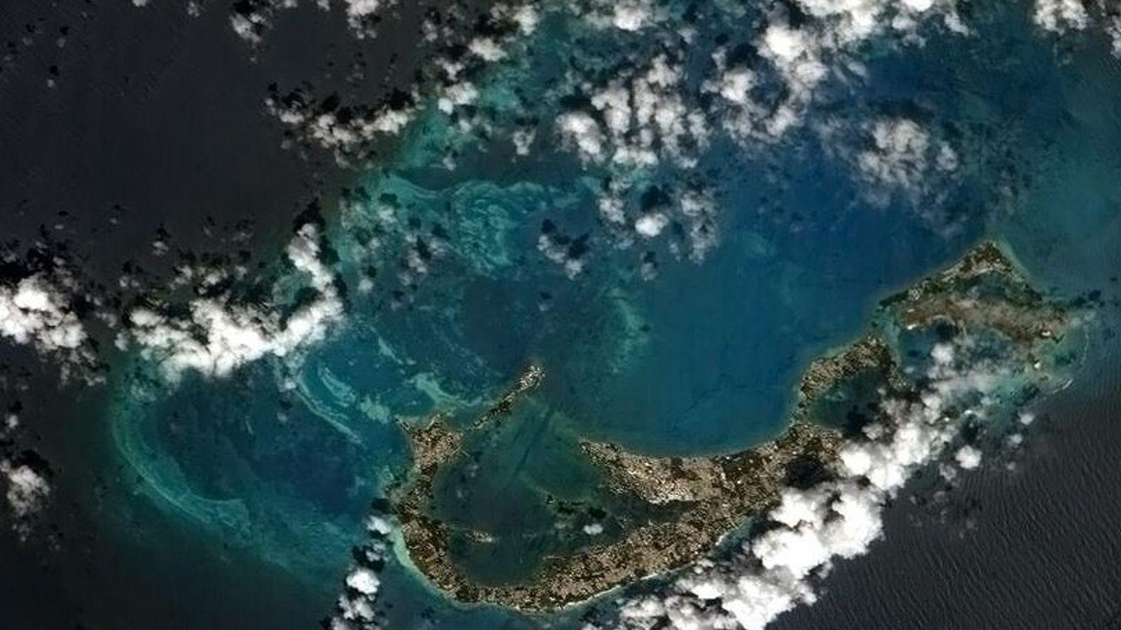 Las islas Bermudas, que vemos desde la Estación Espacial Internacional, se encuentra en la cáscara de ...