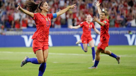 Pioneras del fútbol estadounidense recuerdan la primera Copa Mundial Femenina