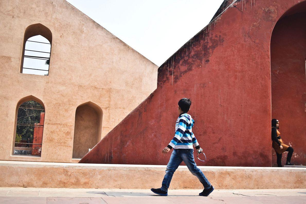 Nueva Delhi, India Jantar Mantar, el observatorio astronómico de Jaipur, fue construido por Jai Singh II a ...