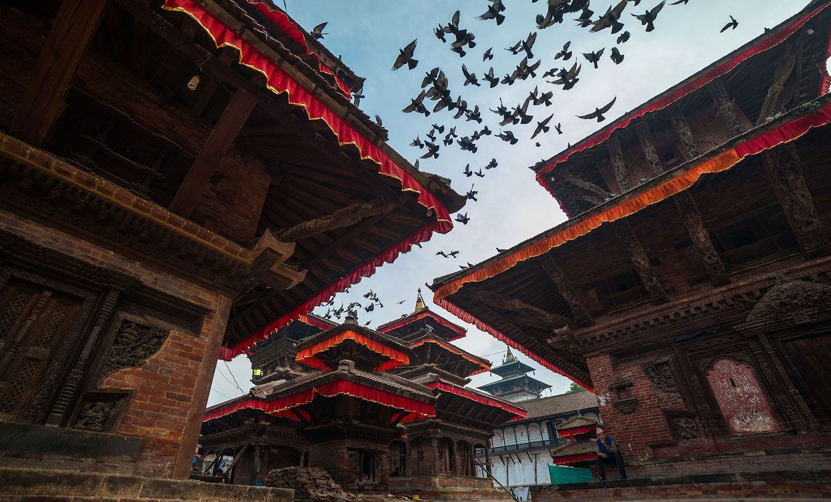 Katmandú, Nepal La capital de la multicultural Nepal está repleta de templos hindúes y budistas. Muchos de ...